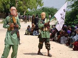 Des miliciens somaliens appartenant au groupe islamiste radical des shebab